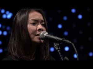 Mitski – Two Slow Dancers (Live on KEXP)